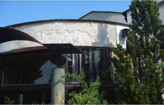 073ebcb11 Obnova domu smútku Nižná Šebastová Pôvodný stav domu smútku Nižná Šebastová